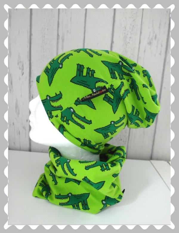 """Beanie """"süße Krokodile auf Grün"""" nach Wunsch"""