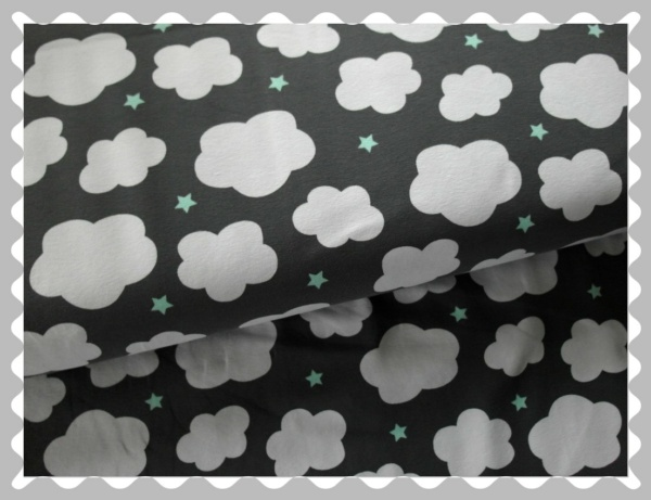 """Jersey """"Wolken auf Grau mit kleinen Sternen"""""""